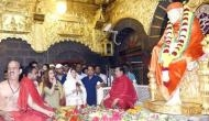 गर्लफ्रेंड के साथ साईं के दरबार में फिरंगी बनकर पहुंचे कपिल शर्मा