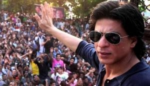 Happy Birthday Shah Rukh Khan: Many moblie phones stolen from the birthday celebration of the superstar