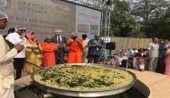 इंडिया गेट पर बनी रिकॉर्ड वाली खिचड़ी, रामदेव ने लगाया देसी घी का तड़का