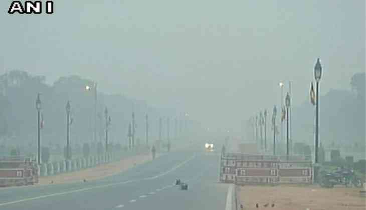 Delhi pollution: Air quality drops from 'moderate' to 'very poor'