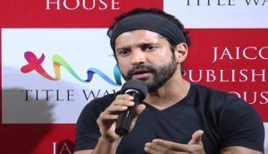 Farhan Akhtar 'hopes' Sushil Kumar refuses nationals gold medal