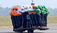 बुलेट है या बसः रॉयल एनफील्ड पर 58 ने की सवारी, बना विश्व रिकॉर्ड