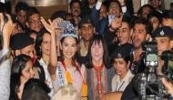 दुनिया जीतकर देश लौटी 'मिस वर्ल्ड 2017' मानुषी छिल्लर, एयरपोर्ट पर हुआ भव्य स्वागत