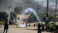 Pakistan government caves in to protestors' demands