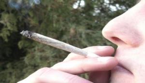 Beware! Teen pot smoking linked to bipolar symptoms in adulthood