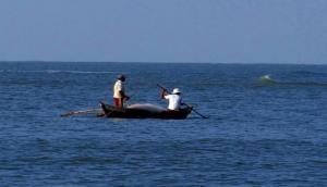 Sri Lankan Navy apprehends 20 Indian fishermen