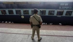 Uttar Pradesh: Police in tizzy after bomb threat in train