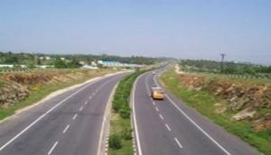MoRTH reviews progress of India-Nepal road connectivity projects