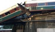 वॉशिंगटन में ट्रेन हाइवे पर गिरी, 6 की मौत