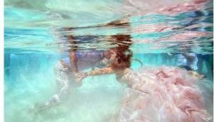 Under-water wedding- A 'Knotty' Affair