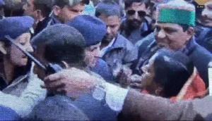 VIDEO: महिला कांस्टेबल ने झाड़ दी विधायक की हेकड़ी, थप्पड़ के बदले रसीद कर दिया थप्पड़