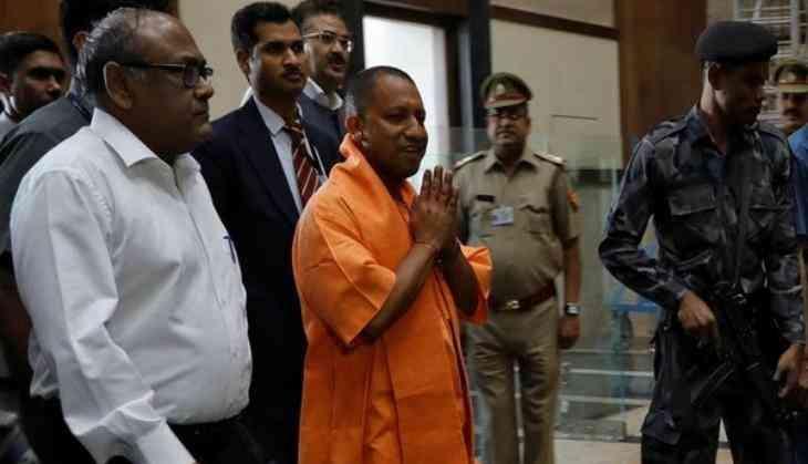 Siddaramaiah-Yogi Twitter war gets ugly, beef duel goes viral