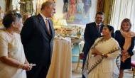 लंदन में डिनर के दौरान चांदी के चम्मच चुराते पकडे गए भारत के पत्रकार