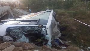 पटनाः बारातियों से भरी बस पलटी, कई लोगों की गई जान