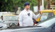 वीडियो : मुंबई में ट्रैफिक रूल तोड़ने वालों को पुलिस ने बिल्ली से सीख लेने को कहा