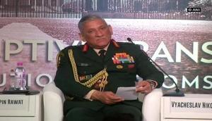 सेना प्रमुख का बयान- भाजपा से तेज बढ़ी मुस्लिमों की पैरोकार पार्टी AIUDF