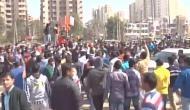 शहर...शहर...'पद्मावत' के विरोध में करणी सेना, सुप्रीम कोर्ट को भी दी नष्ट करने की धमकी