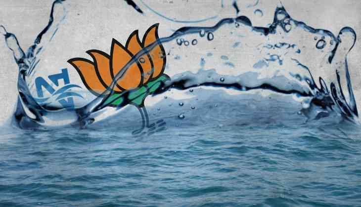 Is BJP denying Narmada water to Gujarat farmers to appease MP in run-up to the polls?
