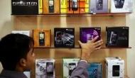 मोदी के 'मेक इन इंडिया' में भारतीय स्मार्टफोन कंपनियों की चमक क्यों पड़ रही है फीकी