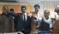 राममंदिर बनाने की शपथ ले रहे हैं यूपी पुलिस के डीजी होमगार्ड, वीडियो हुआ वायरल