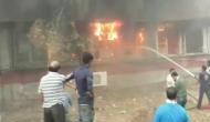 गुजरात में डिग्री न मिलने से परेशान पूर्व छात्र ने यूनिवर्सिटी को लगा दी आग