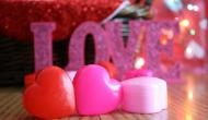 Valentine's Week Days 2018 Full List: know the importance & what to gift to loved ones on Rose, Kiss, Propose Day