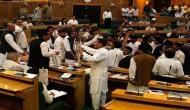 शर्मनाक: आर्मी कैंप में हमले के बीच कश्मीर विधानसभा में लगे 'पाकिस्तान जिंदाबाद' के नारे
