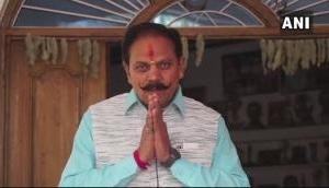 बीजेपी नेता की किसानों को सलाह, आपदा से बचना है तो रोज एक घंटा हनुमान चालीसा पढ़ें