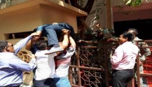 Maldives crises: Military throws MPs out of Parliament