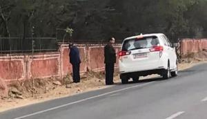 सड़क किनारे पेशाब करने वाले राजस्थान के मंत्री की सफाई सुनकर चौके लोग