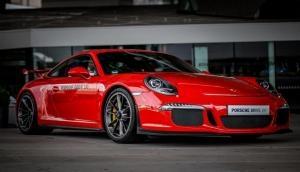 हिंदुस्तानी फॉर्मूला-1 रेसर ने खरीदी ढाई करोड़ की Porsche 911 GT3
