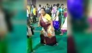 VIDEO: आंटी के देशी ठुमकों के आगे फेल हुए बॉलीवुड के ये दो बड़े स्टार, वीडियो वायरल