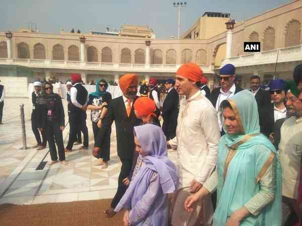Canadian PM, Justin Trudeau visits Golden Temple, meeting with CM Amarinder Singh on the cards