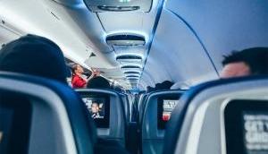 विमान में NRI ने महिला के सामने की शर्मनाक हरकत, शिकायत के बाद पुलिस ने किया गिरफ्तार