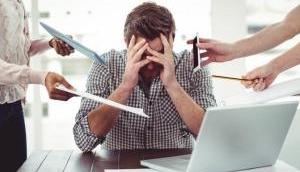 काम का तनाव है बेहद घातक, समय से पहले हो जाती है मौत