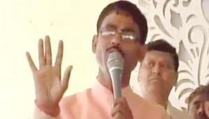 भाजपा नेता के बिगड़े बोल, हिंंदू भाईयो आपको छूट है रुकना मत...