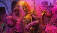 Holi Party: Add Colors to your Gifting Options with These Ideas