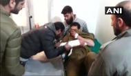 कश्मीर: महिला के भेष में आए आतंकी ने पुलिस स्टेशन पर किया ग्रेनेड से हमला