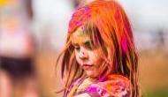 Happy Holi 2018: ये टिप्स अपनाकर खेलें होली, नहीं होगा बालों का नुकसान