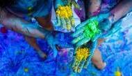 Happy Holi 2018: खतरनाक केमिकल्स मिले रंगो से ऐसे करें अपना बचाव