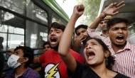JNU छात्रों ने किया हंगामा, VC का आरोप- घर में हुई तोड़फोड़ और पत्नी को बनाया बंधक