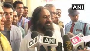Ayodhya dispute: Sri Sri Ravi Shankar meets Muslim cleric