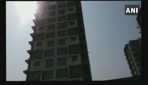 कर्ज से परेशान मां-बांप ने मासूम समेत 12वीं मंजिल से कूद दी जान