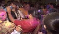 Happy Holi 2018: पाकिस्तान में उड़ा गुलाल, बॉलीवुड गानों पर थिरके लोग