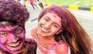 VIDEO: होली में ऐेसे सराबोर नजर आईं प्रिया प्रकाश, जमकर की मस्ती