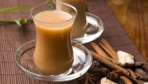 इस चाय वाले की कमाई जानकर दंग रह जाएंगे आप, एक महीने में कमाता है इतने...