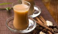 सुबह उठते ही गर्म चाय पीने के शौकीन हो जाएं सावधान,  इस जानलेवा बीमारी को दे रहे हैं दावत