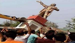 Tripura: Lenin's statue knock down by BJP supporters; amid cries of  'Bharat Mata Ki Jai'