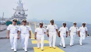 Coronavirus: भारतीय नौसेना ने कसी कमर, खाड़ी देशों से भारतीयों को लाएंगे वापस, 14 युद्धपोत तैयार