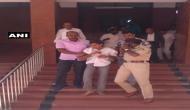 कर्नाटक: लोकायुक्त को ऑफिस में घुसकर शख्स ने चाकू से गोदा
